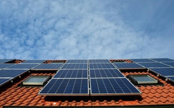 Como melhorar a eficiência energética da sua casa